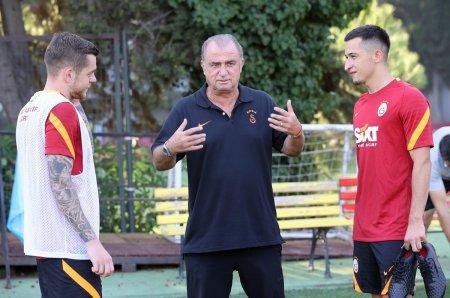 Olimpiu Morutan, prezentat cu stil la Galatasaray » Hagi si Popescu, prezenti in clip: Mi-am petrecut copilaria ascultand povestile lor