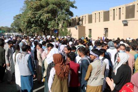 Suntem in pericol: Talibanii au amenintat si batut angajati ONU