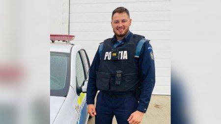 Barbat prins intr-o masina rasturnata, salvat de un politist din Alba aflat in timpul liber