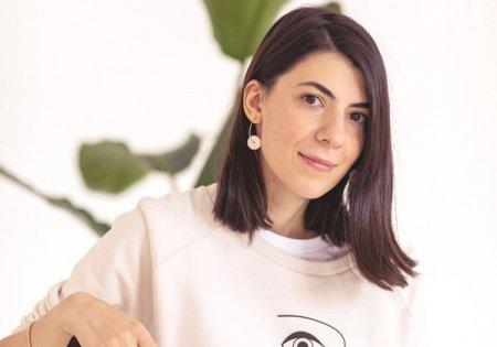 Afaceri de la zero. Claudia Marian, <span style='background:#EDF514'>ABSOLVEN</span>ta de Arte, a croit brandul de moda Mauverien, care ia nastere intr-un atelier din Tulcea. Veniturile au ajuns la 60.000 de lei in 2020