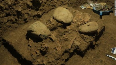 ADN-ul unei <span style='background:#EDF514'>ADOLESCENTE</span> care a murit cu 7.000 de ani in urma a dezvaluit un grup uman necunoscut