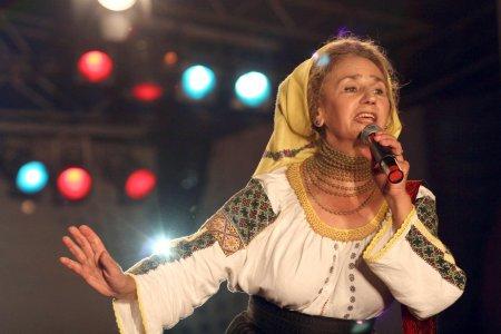 Sofia Vicoveanca, reactie neasteptata la Festivalul Haiducilor. De ce s-a oprit din cantat si a tipat la participanti