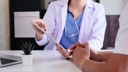 Tot mai multi medici refuza tratamentul persoanelor nevaccinate! Sunt etice aceste actiuni? Iata ce spun expertii