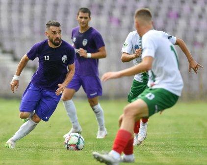 Ce nebunie! Dintr-un nume de traditie renasc doua formatii: situatie unica in fotbalul romanesc