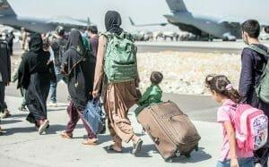 Cum pot romanii sa-i salveze pe afgani? Misiune imposibila
