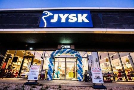 Retailerul danez JYSK deschide magazine la Timisoara si Rosiorii de Vede si ajunge la o retea de 106 unitati in Romania. JYSK a deschis primul magazin din Romania in anul 2007, la Oradea, in sistem de franciza