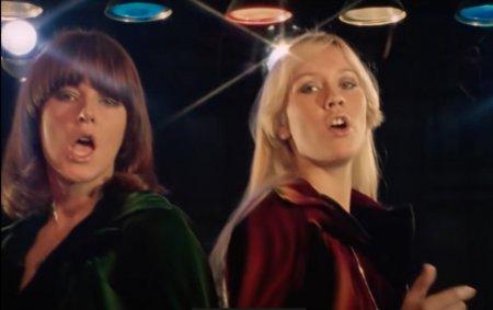 Formatia <span style='background:#EDF514'>ABBA</span> isi anunta revenirea in muzica dupa o pauza de 39 de ani. Unde pot fi urmarite noile piese