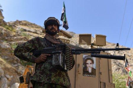 Cine sunt <span style='background:#EDF514'>LUPTATORII</span> din Valea Panjshir, singurul loc necucerit de talibani. Știam ca aceasta zi ar putea veni