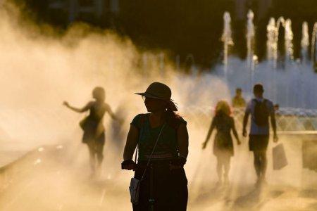 Oamenii sunt mai furiosi cand traiesc la temperaturi ridicate. Ce alte efecte au valurile de <span style='background:#EDF514'>CALDURA</span>?
