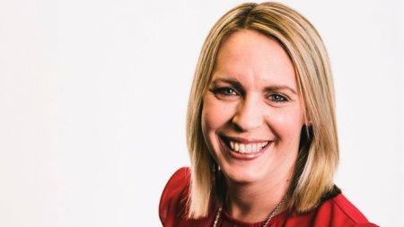 Prezentatoarea BBC Lisa Shaw a murit din cauza vaccinului anti-Covid, spune medicul legist