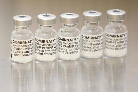 De unde provine Comirnaty, numele sub care se vinde vaccinul Pfizer