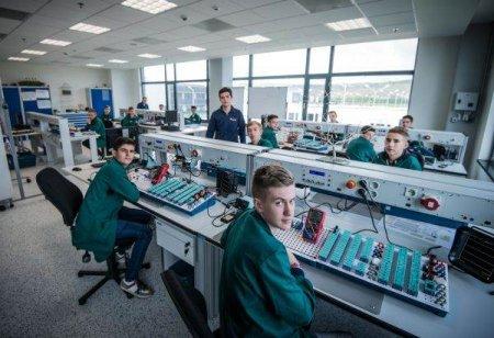 Proiecte de milioane de euro pentru integrarea tinerilor pe piata muncii