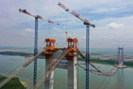 Podul de <span style='background:#EDF514'>LA BRAILA</span>, dat in folosinta pe un sens la finalul anului viitor