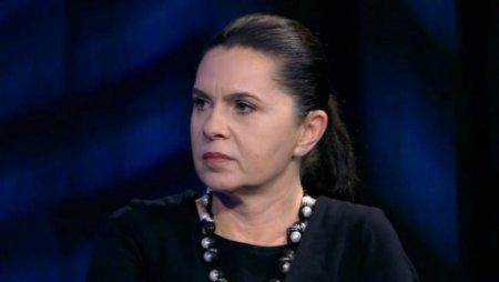 Adriana Saftoiu, dupa ce Raluca Turcan s-a plans ca presa o prezinta ca pe un '<span style='background:#EDF514'>MONSTRU</span>': 'Un terapeut ar fi indicat pentru asemenea suferinte'