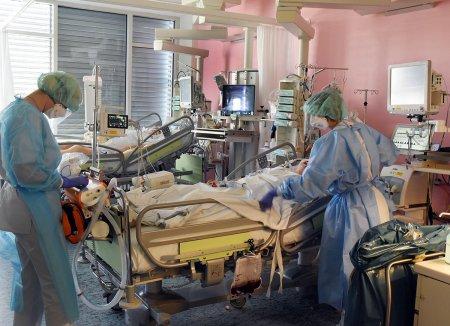 Toate paturile ATI de la Institutul Matei Bals si Spitalul Victor Babes din Bucuresti sunt ocupate
