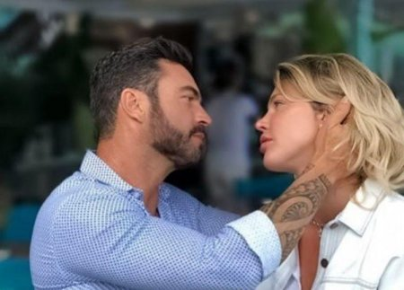 Alina Vidican s-a casatorit cu Claude Senhoreti. Primele <span style='background:#EDF514'>IMAGINI DE LA NUNTA</span> care a avut loc in Florida