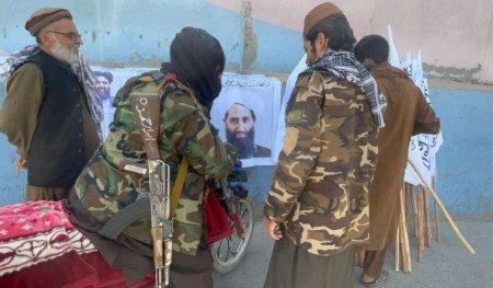 SUA avertizeaza: Alte atentate pot avea loc in Kabul. Zona e survolata intens de americani, in colaborare si cu talibanii