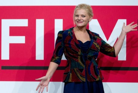 Actrita Ofelia <span style='background:#EDF514'>POPI</span>i, despre intalnirea cu celebrul regizor Tim Burton dupa reprezentatia din Faust, la Sibiu: Mi-a spus ca l-a inspirat