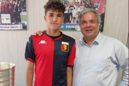 Genoa a mai transferat un fotbalist roman de mare viitor » Fotbalistul a fost prezentat oficial