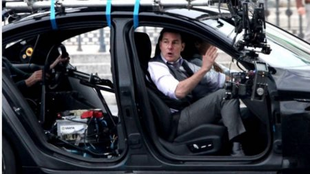 <span style='background:#EDF514'>HOTII</span> au dat lovitura si i-au furat masina lui Tom Cruise, in timp ce actorul filma noua productie Misiune Imposibila 7