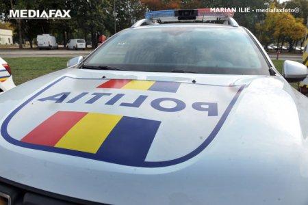 <span style='background:#EDF514'>SLOBOZIA</span>: Un sofer beat a intrat cu masina in 4 autoturisme parcate