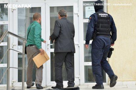 Un avocat si doi notari sunt implicati in mai multe tranzactii imobiliare ilegale din vestul tarii. Ce au descoperit procurorii