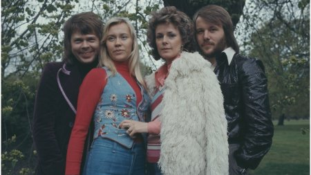 Legendara trupa <span style='background:#EDF514'>ABBA</span> isi anunta revenirea in muzica, dupa mai bine de 40 de ani
