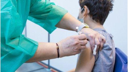 Doua persoane au murit dupa vaccinarea cu Moderna, in Japonia
