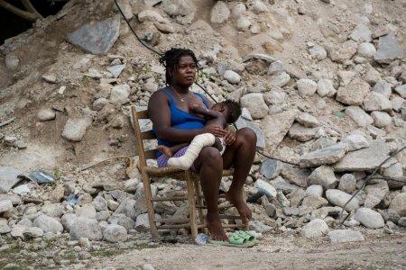 Nu vine nimeni la noi. Strigatul de ajutor al sinistratilor din Haiti, tara lovita si de cutremur, si de uragan