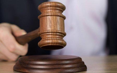 Un judecator american ii obliga pe parinti sa-si despagubeasca fiul, dupa ce i-au aruncat colectia de materiale porno