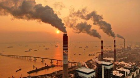 Dupa o prabusire istorica in pandemie, emisiile de dioxid de carbon revin la cote periculoase