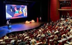 Antena 3: Barna isi foloseste copilul nou-nascut in campania de partid