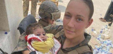Femeia soldat celebra datorita fotografiilor cu bebelusi afgani a fost ucisa in atacul ISIS-K din Kabul
