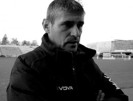 Valer <span style='background:#EDF514'>SASAR</span>man, fotbalist legendar al Gloriei Bistrita, a murit la varsta de 52 de ani