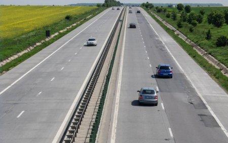 Doua accidente au avut loc pe A2, pe sensul catre Capitala. Au fost implicate 7 autovehicule