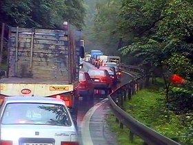 Trafic bara la bara pe Valea Prahovei. Politia recomanda rute alternative
