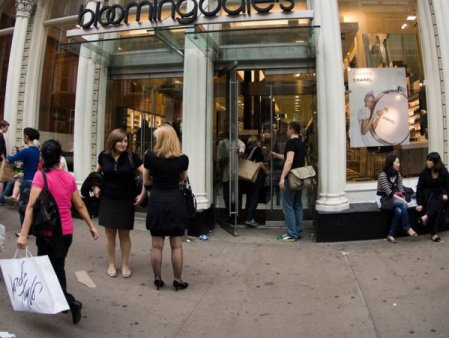 Business Magazin. Cine a fost Lyman Bloomingdale cel care a fondat celebrele magazine din New York care acum peste 100 de ani au pus pentru prima data o scara rulanta