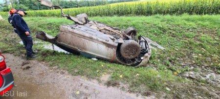 Iasi: Patru persoane ranite dupa ce masina in care se aflau a intrat intr-un cap de pod