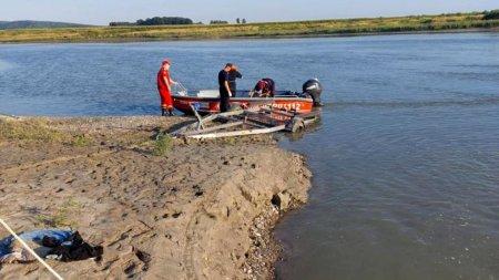 Tulcea: Pompierii cauta in Dunare un barbat care s-ar fi inecat