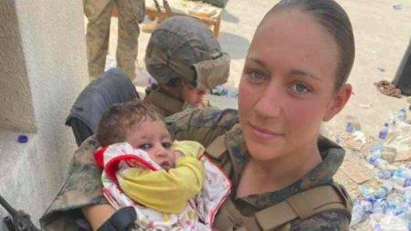 Ea este unul dintre militarii americani ucisi in atentatul de la Kabul: Nicole Gee avea doar 23 de ani si ingrijea bebelusii afgani salvati pe aeroport