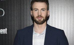 Chris Evans renunta la rolul Captain America, pe care l-a jucat timp de aproximativ un deceniu