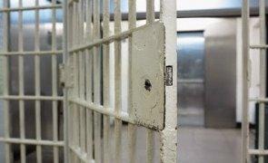 Elena Udrea si Alina, incarcerate la inchisoarea de femei din Costa Rica!
