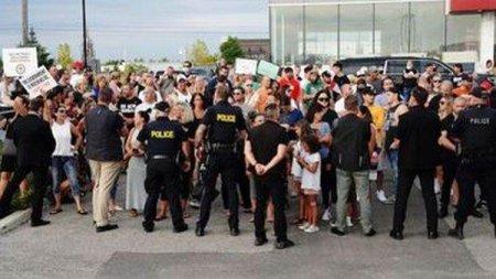 CANADA: Campania electorala a premierului Trudeau perturbata din nou de manifestanti
