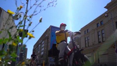 Romanii dau navala sa-si cumpere biciclete in pandemie iar listele de asteptare se intind pe luni de zile