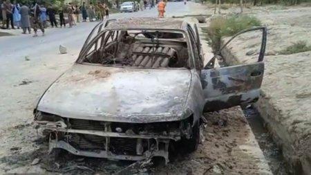 Aeroportul din Kabul, atacat cu rachete dintr-o masina, luni dimineata. CNN a difuzat imagini ale vehiculului. Oficial SUA: Probabil a fost <span style='background:#EDF514'>ISIS</span>-K