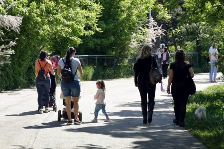 INS: Populatia <span style='background:#EDF514'>REZIDENTA</span> a Romaniei a scazut cu peste 140.000 de persoane in 2020