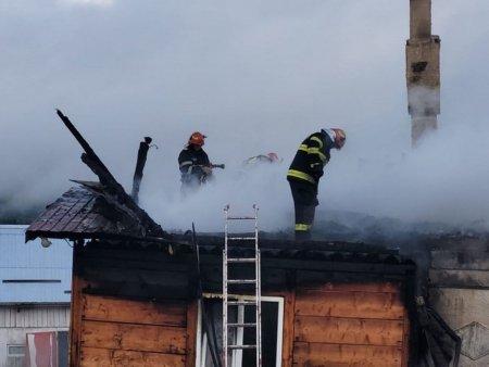 <span style='background:#EDF514'>BATRANA</span> carbonizata dupa ce i-a luat foc casa