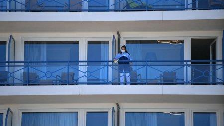 Se iefineste cazarea pe <span style='background:#EDF514'>LITORALUL ROMANESC</span>. O noapte la hotel, 34 de lei