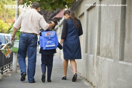 Doua saptamani pana incepe scoala. Vor fi <span style='background:#EDF514'>PERMISE</span> festivitatile de deschidere a anului scolar? Ce spune Sorin Cimpeanu