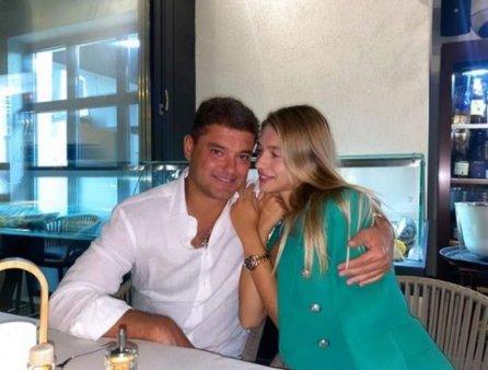 Motivul pentru care Laura <span style='background:#EDF514'>DINCA</span> si Cristian Boureanu s-au despartit. Oricum, eu il iubesc. E un om deosebit